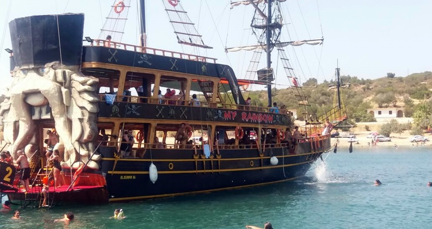 Marmaris Davy Jones Pirate Boat Trip