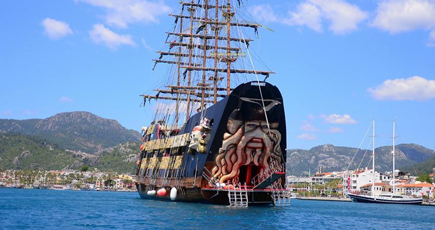 Barbossa Pirate Boat Trip