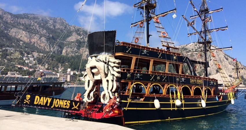 Marmaris Davy Jones Pirate Boat Trip